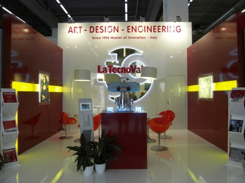 Exhibition Booth In Spanish : Booth design